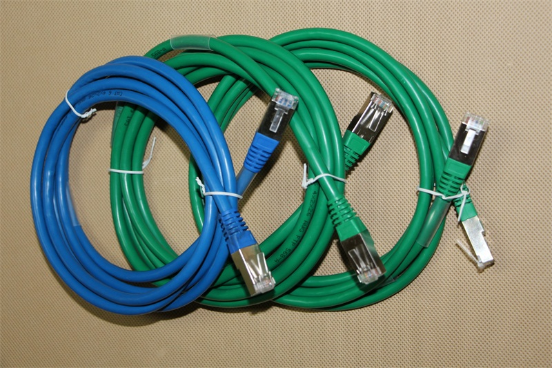 超五类屏蔽网络跳线